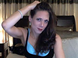 NaughtyCoral is ready to deepthroat on her mommy webcam
