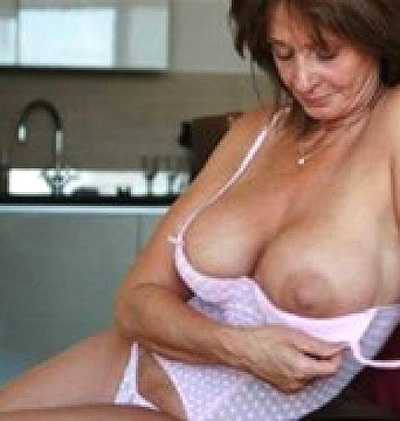 mature babe with huge juggs