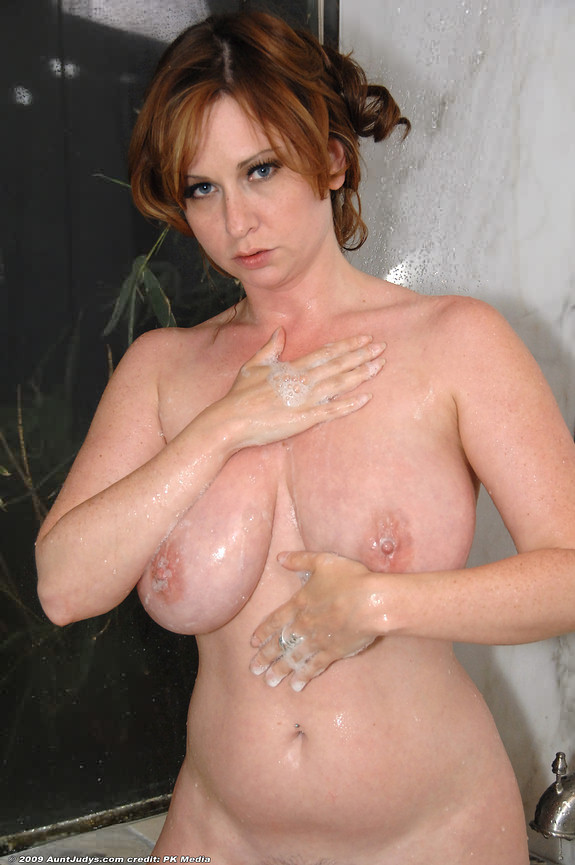 busty-aunt-judys
