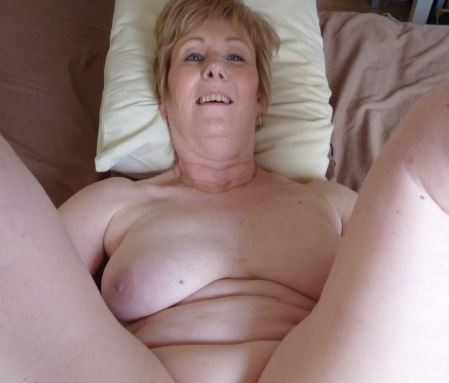 home alone wife fucks herself on live cam stream